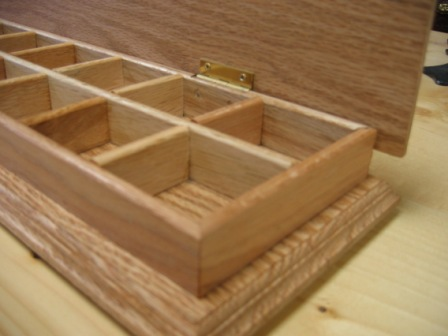 Oak Earing Box close-up